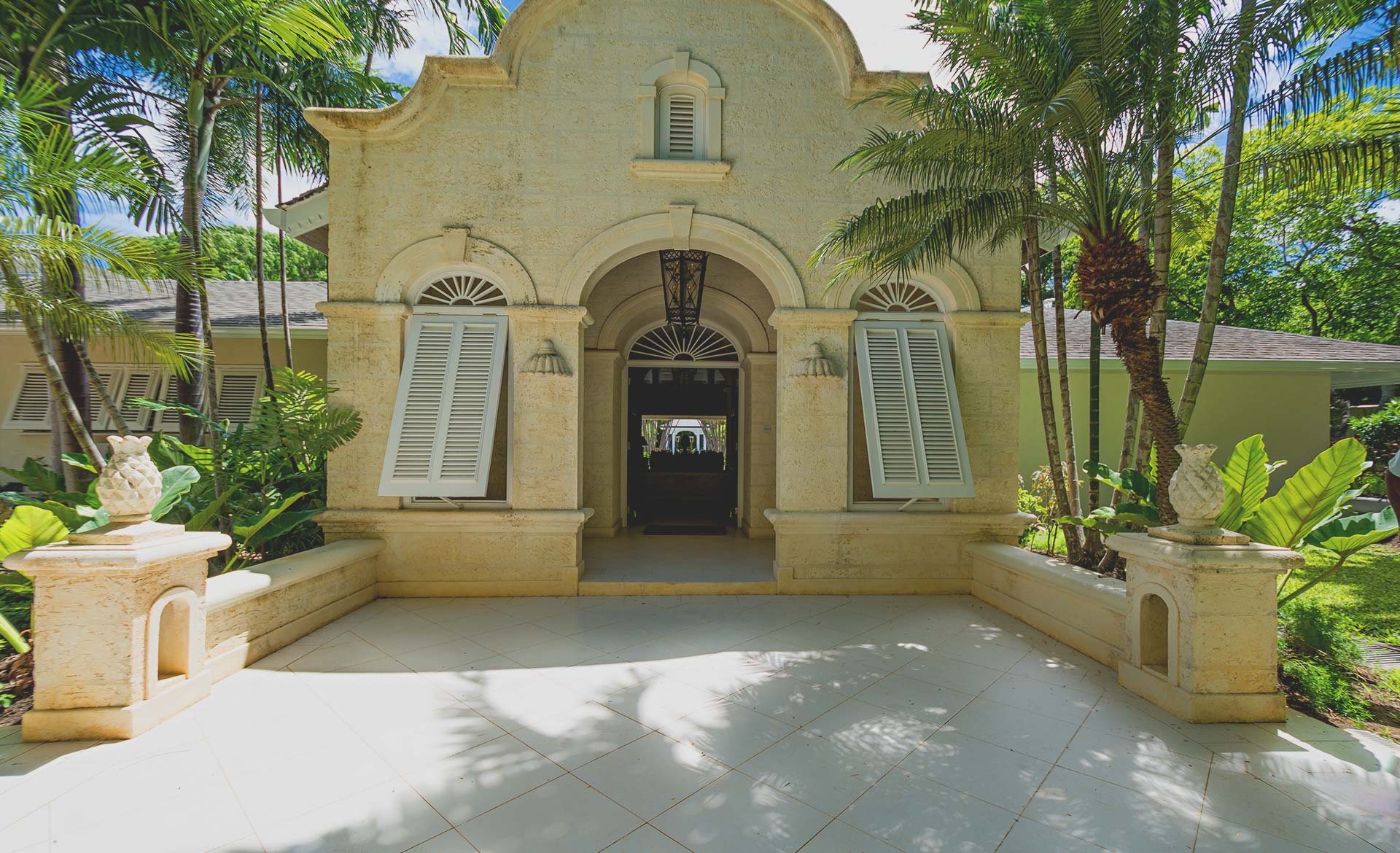 oriana-barbados-villa-entrance-barbados-sandy-lane